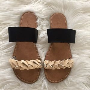 Minimalist Braided Leather Flat Sandal 9M